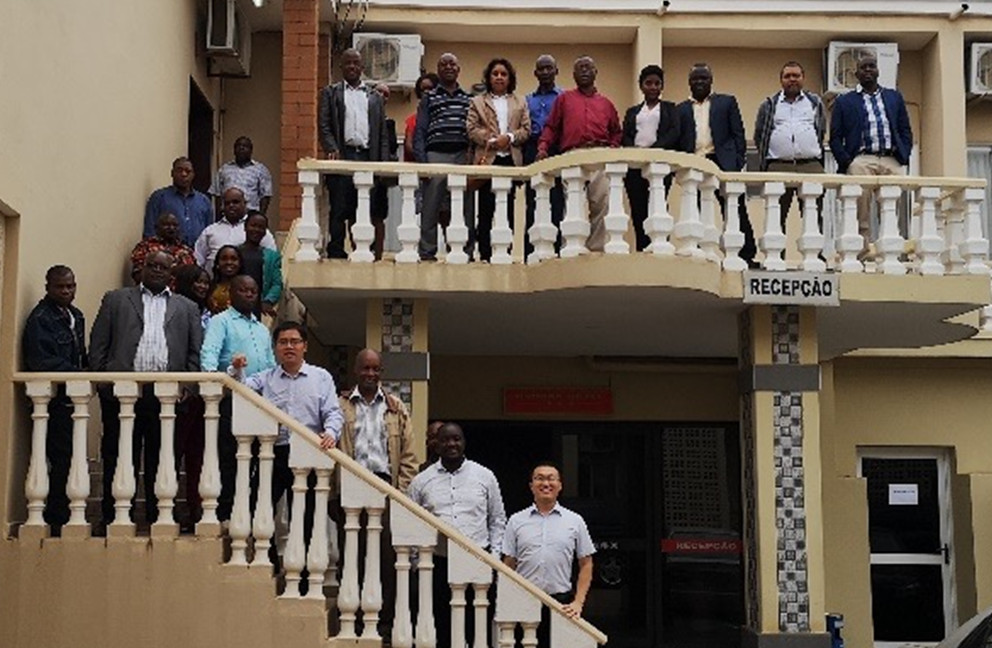Staff from national and provincial Crop Monitoring and Early Warning departments receive training in Maputo, September 2018