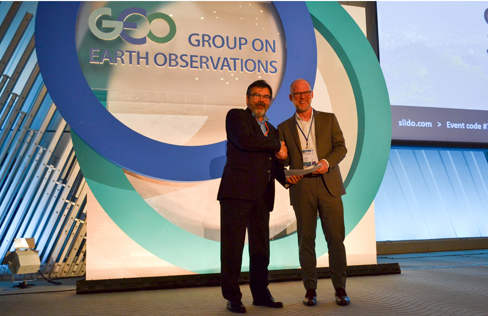 Gilberto Camara, GEO Secretariat Director with David Harper, Director General for Monitoring and Data Services, Environment and Climate Change Canada at GEO Week 2018